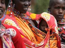 AMREF sostiene le popolazioni africane bisognose