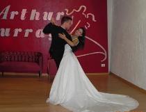 Sposi durante una lezione di ballo