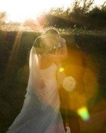 Foto rubata del bacio degli sposi realizzata da Silvia Cleri