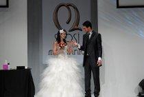 Sfilata di abiti da sposa e sposo durante la manifestazione Sposi del Nuovo Millennio