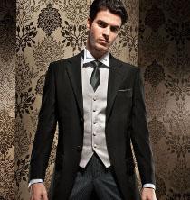 Tight classico con giacca nera e gilet grigio perla by Urbano della Scala