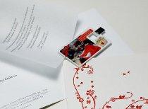 Card USB con foto degli sposi e pergamena di ringraziamento