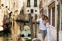 Gli sposi in visita a Venezia durante il viaggio di nozze in crociera MSC