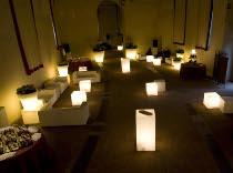 Illuminazione a terra per il matrimonio creata da Modo Eventi