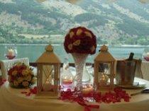 Allestimento della sala per un matrimonio sul lago organizzato da Lavillotti Eventi