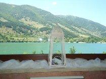 Dettagli delicati e candidi di un matrimonio sul lago organizzato da Lavillotti Eventi