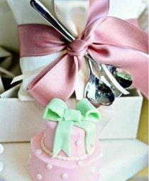 Bomboniere rosa con cucchiaini in argento by VP Palmieri