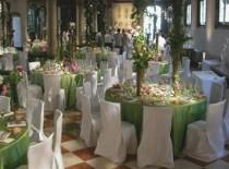 Mise en place verde e addobbi floreali originali