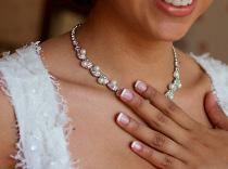 French manicure appena accennata per la sposa
