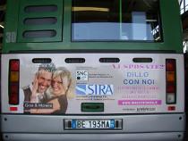 Annuncio di matrimonio su un autobus