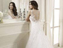 Abito da sposa con ricami in pizzo sulla schiena - by Nicole Fashion Group 8c0c5445560