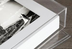 Dettaglio dell'album di matrimonio in plexiglass