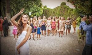 Lancio Bouquet Sposa.Quando Fare Il Lancio Del Bouquet I Dubbi Delle Spose