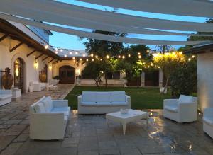 Zona lounge e suggestiva del matrimonio in Masseria