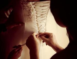La sposa durante i preparativi - Foto di Marta Buso Photographer