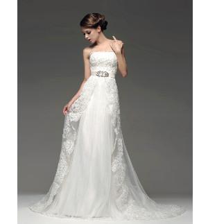 Modelli di abiti da sposa in base al fisico - LeMieNozze.it ccba6f6e3d3