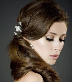 Acconciatura da sposa con fermaglio di perle - My Wedding Mirror, Sì sei bellissima