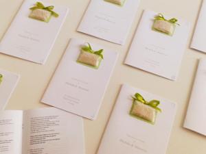 Libretti di matrimonio con bustina di riso applicata - Fèrula Creazioni Partecipazioni