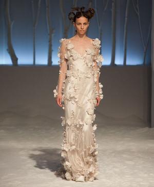 Abito da sposa con rose in tessuto - Collezione 2016 David Fielden