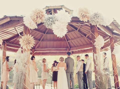 Matrimonio celebrato sotto il gazebo al riparo dal sole