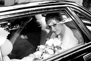 Foto della sposa all'arrivo in chiesa - Antonino Geria Wedding Photpgrapher