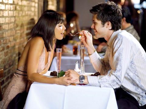 Pranzo nella location di nozze per l'anniversario