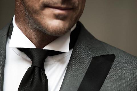Rifiniture dell'abito da sposo - Modesto Bertotto