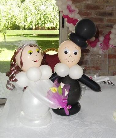 Sposi di palloncini per il matrimonio