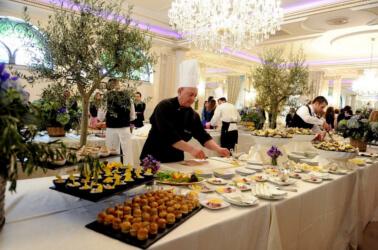 Allestimento del buffet a Villa Carafa
