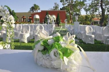 Allestimento white per un matrimonio elegante