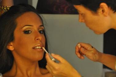 Make up per le labbra della sposa