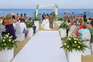Matrimonio Spiaggia Gallipoli : Sposarsi sul mare: in puglia ti aspettano due bellissime location
