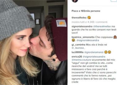 Il primo bacio di Fedez e Chiara Ferragni sui social