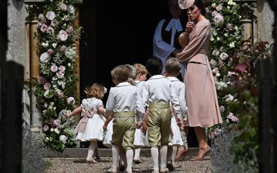 Kate rimprovera baby George e la sorella Charlotte