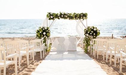 La cerimonia di nozze in spiaggia