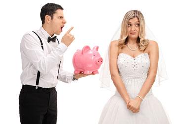 Futuri sposi che litigano per i costi del matrimonio