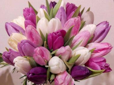 Bouquet di fiori con tulipani