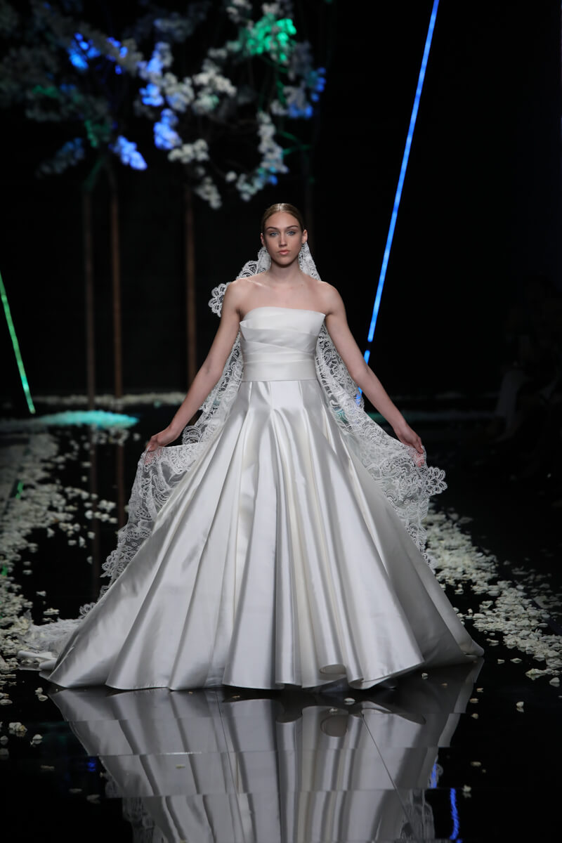 Collezione Abiti da Sposa 2019 Antonio Riva