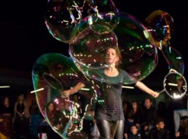 Animazione bambini matrimonio Torino spettacolo con bolle di sapone