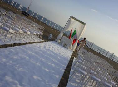 Il matrimonio con rito civile sulla spiaggia