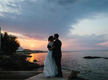 sposi matrimonio sera mare