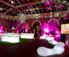 Gli arredi luminosi: una novità per gli allestimenti di matrimonio