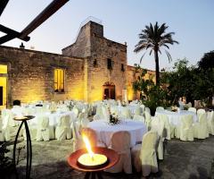 Masseria San Lorenzo - I tavoli all'aperto