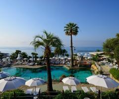 Royal Hotel Sanremo - La piscina all'aperto