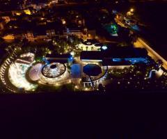 Il Vittoriano Ricevimenti - Una vista panoramica notturna dall'alto