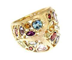 Anello di diamanti colorati