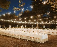 Villa Cenci - Allestimento dei tavoli all'aperto