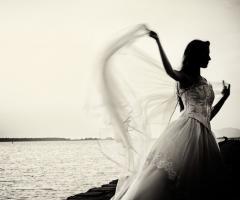Foto della sposa in penombra