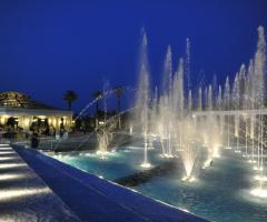 Il Vittoriano Ricevimenti - La location di sera con la Fontana Danzante
