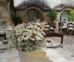 Masseria del Gelso Antico - Centrotavola di margherite